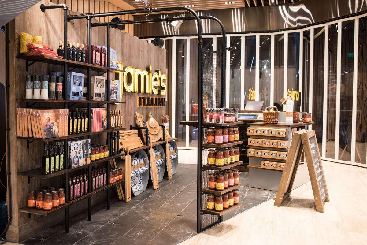 gate8-jamies-italian-55445cfa00b307129516d26cf92db007