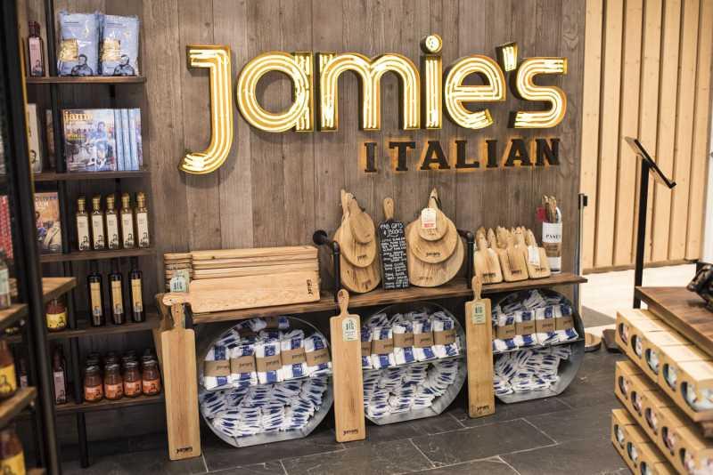 gate8-jamies-italian-scene4-6fd615aa6b68bf0bdeac5226ac0bf5b3